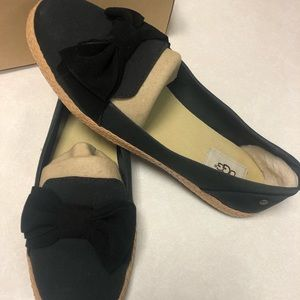 [UGG] NEW IN BOX - Abigail Bow Flat - Size 9.5